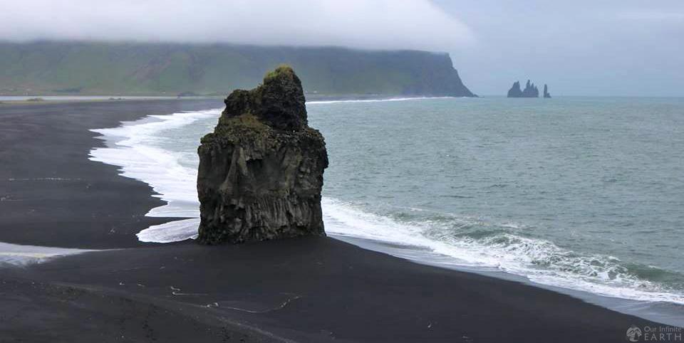 black-beach-vik