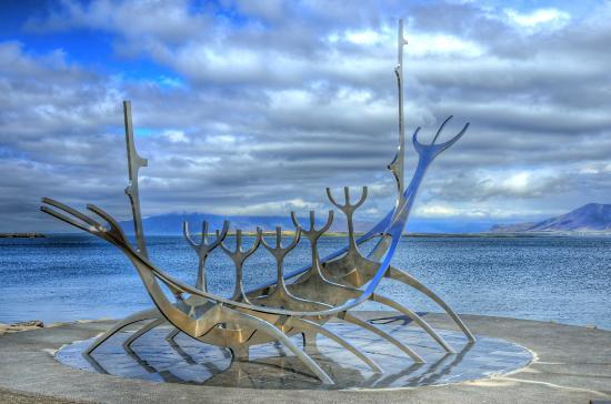 sun-voyager-sculpture-iceland